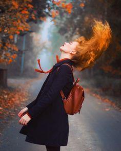 Everyone deserves a perfect world! Romantic Photography, Autumn Photography, Portrait Photography, Portrait Studio, Red Hair Don't Care, Autumn Aesthetic, Foto Pose, Auburn Hair, Travel Photos
