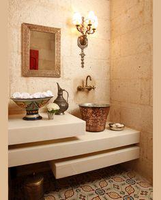 Nomadic Decorator | 1001 Arabian Nights Fantasy | http://nomadicdecorator.com