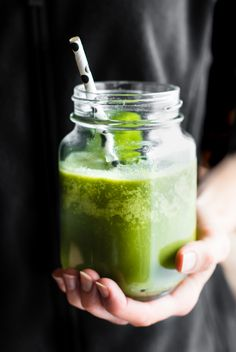 A POWER FUEL Green Smoothie to kick start the day. Citrus fruit apple Mint Leafy Greens and coconut oil blended to boost Energy. Whole 30 Paleo Vegan. Green Detox Smoothie, Healthy Green Smoothies, Green Smoothie Recipes, Fruit Recipes, Fruit Smoothies, Healthy Drinks, Real Food Recipes, Healthy Protein, Drink Recipes