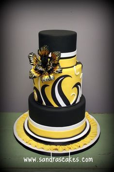7 Unbelievable Wedding Cakes #weddingcakes