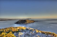 La Isla de Ons, un paraje a descubrir. La Isla de Ons está enclava dentro del Parque Natural de las Islas Atlánticas, junto con las Islas Cíes, el archipiélago de Sálvora y el de Cortegada. http://www.hotelpuertadelsol.es/es/la-isla-de-ons-un-paraje-a-descubrir/#.U0UuVq1_scg