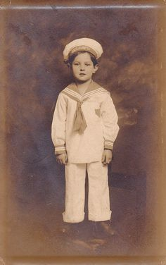 love these old sailor outfits, ring bearer Vintage Children Photos, Vintage Pictures, Old Pictures, Vintage Images, Old Photos, Antique Photos, Vintage Photographs, Photo Postcards, Vintage Postcards