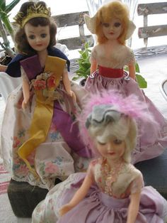 Pretty vintage international Beauties dolls.