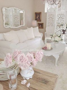 8 Judicious Cool Tips: Shabby Chic Porch Hanging Baskets shabby chic bedroom on a budget.Shabby Chic Bedroom On A Budget. Casas Shabby Chic, Salon Shabby Chic, Shabby Chic Decor Living Room, Estilo Shabby Chic, Romantic Shabby Chic, Cottage Living Rooms, Romantic Home Decor, Shabby Chic Interiors, Shabby Chic Bedrooms