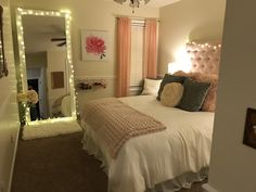 Cute Bedroom Decor, Glam Bedroom, Pretty Bedroom, Room Ideas Bedroom, Girls Bedroom, Bedrooms, Jean Moda, Aesthetic Rooms, Beauty Room
