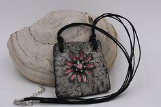Collana in ceramica Raku/pendente fiore/pendente di RaRoearth