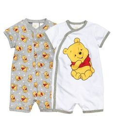 Baby boy outfits Baby boy outfits Baby Club - online baby clothes stores where you can find fashionable baby clothes. There is a kid and baby style here. So Cute Baby, Cute Baby Boy Outfits, Cute Babies, Kids Outfits, Disney Baby Outfits, Disney Babys, Disney Girls, Boy Onesie, Baby Boy Newborn