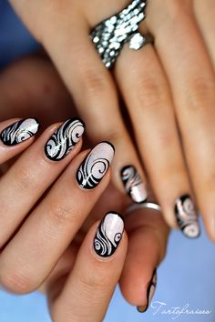 nail art zebre tribal