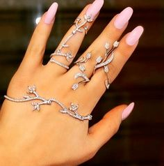 2 Piece cz diamond flower Palm Cuff Wedding Jewelry Set in Platinum Gold. Handlet Bracelet and articulated Ring. Custom Made Hand Jewelry Indian Bridal Inspired. 1 hand bracelet and 1 ring (on ring fi Hand Jewelry, Cute Jewelry, Body Jewelry, Silver Jewelry, Silver Rings, Jewellery Box, Stone Jewelry, Clean Jewelry, 90s Jewelry