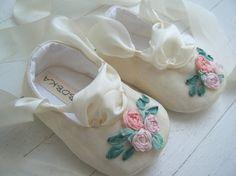 SPRING Ivory Vintage Taffeta Ballet Shoe For Your Baby Girl