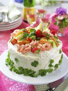 Glutenfri lyxtårta med lax och räkor