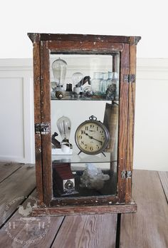 Tips for Displaying  your Antiques! {House of Harvest.com}