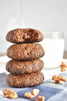 Cookies saludables de brownie con 5 ingredientes | Naturally Natalia Healthy Sweets, Healthy Snacks, Sweet Recipes, Cake Recipes, Tea Time, Keto, Lunch, Cookies, Breakfast