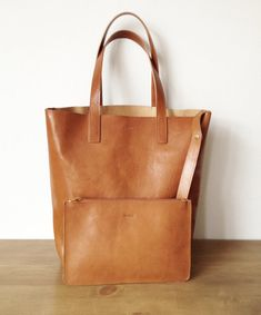 If you want to became Misoui friend, just: Follow us in one of our social media channels -> send us message -> we will send you 15% discound code :)  *******  This tote is everyones favourite! Made from best quality vegetable tanned leather. From the beginning till the end it is created in my little studio in Warsaw. It is beautiful, well made and it will last for ages. There is no such a simple and well made tote as this one. It is also ultra light, so you will be able to carry everything…