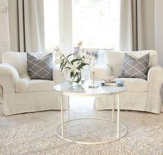 This new coffeetable made of white marble is so beautiful or what do you think?😙Katsokaa mikä ihanuus meille saapui eilen!⭐ Tämän upean marmorisen olohuoneen pöydän löysin Taloon.comista! Pyöreä ja siro malli on meille aivan täydellinen 👌🔝 Tästä pöydästä on tulossa blogiin lisää juttua:) #olohuone #livingroom #marbletable #whitemarble #marmoripöytä Kiitos yhteistyötä ja tästä kauniista pöydästä @talooncom Modern Country, Home Interior, White Marble, Blinds, Love Seat, Couch, Bedroom, Table, Furniture