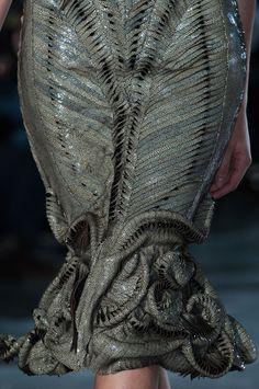 Innovative Fashion Design - futuristic organic fashion exploring biology & metamorphosis; wearable art // Iris Van Herpen