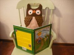 Whoooooo wants to learn to read??A Colorful Journey Through the Land of Talking Letters by Mary Jo Nyssen