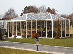 Orangerie met schuinde dakvlakken. 0174-290727.