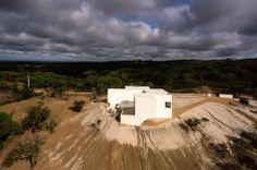 Aires Mateus + SIA – House in Melides II - Alentejo - Portugal © Fernando Guerra, FG+SG Aerial Photography - www.ultimasreportagens.com