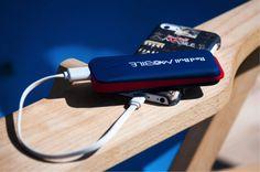 Damit du ordentlich abrocken kannst & deinem Smartphone nicht der Saft ausgeht, gibt es heuer auch wieder den Red Bull MOBILE Energy Pack Verleih. Einfach Handy am Akku anstecken, aufladen und gleich weiter rocken!