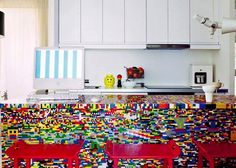 LEGO Furniture and Home Decor. 21 Insanely cool DIY LEGO furniture and home decor creations (image from The Cool Hunter) Lego Kitchen, Ikea Kitchen, Unfitted Kitchen, Rainbow Kitchen, Basic Kitchen, Kitchen Redo, Kitchen Art, Deco Design, Küchen Design