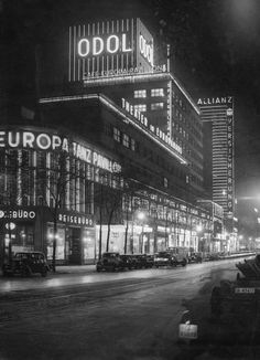 Europahaus in Berlin bei Nacht, 1936