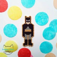 Je suis la nuit.... Euh, non, pas moi perso, mais BATMAN!!!! Serais je en train de faire une série super héros? Peut être que oui... #jenfiledesperlesetjassume #miyukibeads #miyuki #perleaddict #perles #batman #brickstitch #motifpauline_eline #comics