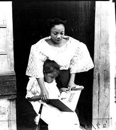 "womenreading: "" Filipina girl reading with her mother, "" Woman Reading, Children Reading, Reading Time, Reading Nooks, Islamic Society, Filipina Girls, Filipino Culture, Books To Read For Women, Filipina Beauty"
