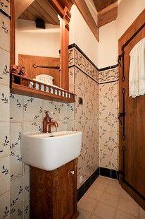 Návrh interiéru zahrnuje i kompletní řešení koupelny a wc