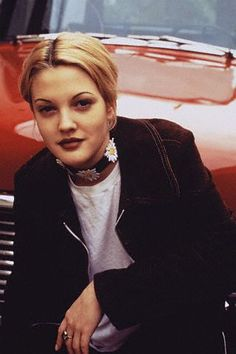 Vintage Style Icon: Drew Barrymore - Icon People - Ideas of Icon People - Vintage Style Icon: Drew Barrymore Drew Barrymore 90s, Drew Barrymore Style, Grunge Outfits, 90s Fashion Grunge, 90s Grunge Hair, Geek Fashion, Fashion Shirts, Fashion Bags, Fashion Backpack