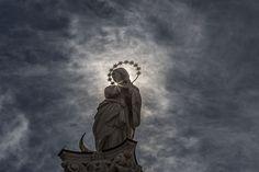 Mondsichelmadonna in Innsbruck, Tirol. Innsbruck, Medium Art, Statue Of Liberty, Darth Vader, Social Media, Statue Of Liberty Facts, Liberty Statue