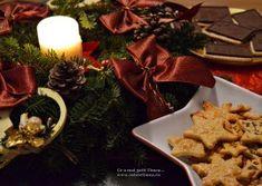 Tort de biscuiti cu crema de ciocolata si rom - Retete Timea Waffles, Deserts, Mousse, Table Decorations, Breakfast, Pies, Rome, Morning Coffee, Waffle