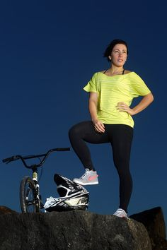 Caroline Buchanan Photos - Australian BMX rider Caroline Buchanan poses during a portrait session at Currumbin Beach on June 2012 in Gold Coast, Australia. Mountian Bike, Road Mountain Bike, Cycling Australia, Bmx Girl, Female Cyclist, Bmx Racing, Sports Awards, Cycling Girls, Bike Photo