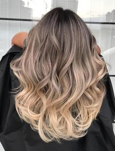 What is the Difference Between Balayage and Ombre?- What is the Difference Between Balayage and Ombre? Ombre Hair Color Ideas for 2018 – The Right HairStyles - Balayage Highlights, Hair Color Balayage, Balayage Bob, Color Highlights, Beige Blonde Balayage, What Is Balayage, Carmel Highlights, Balayage Hairstyle, Dark Hair