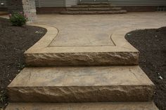Like the rough cut stone look LB - Stamped Concrete Front Steps Concrete Front Steps, Diy Concrete Patio, Concrete Stairs, Diy Patio, Backyard Patio, Stamped Concrete Walkway, Patio Stairs, Diy Pergola, Pergola Kits