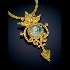 pendant 22kt gold granulation abalone sphene