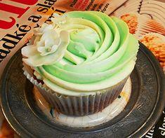 Mrkvové cupcakes & krém z bílé čokolády na Adelajde.cz - Dorty pro radost Cupcakes, Food, Cupcake, Meal, Cup Cakes, Hoods, Cupcake Cakes, Eten, Meals