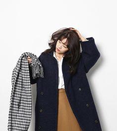 Dark coat | Camel skirt | White shirt | Houndstooth check scarf | Neat school | Uniform