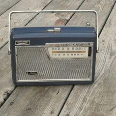 Toshiba 10TL429F transistor radio
