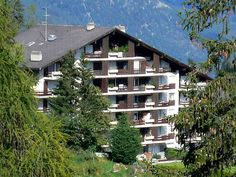 Clair-Azur - Apartment - CRANS-MONTANA - Switzerland - 364 CHF 2-room apartment on 1st floor. Living/dining room with cable TV (flat screen), radio. 1 room with 2 beds. Kitchenette (3 hot plates, oven, dishwasher, electric coffee machine). Bath/WC. Balcony, south