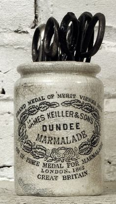 I have several of these Dundee marmalade jars and they always speak studio magic to me.