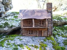 Hey, I found this really awesome Etsy listing at https://www.etsy.com/listing/217332735/birdhouse-log-cabin-vintage-large-2
