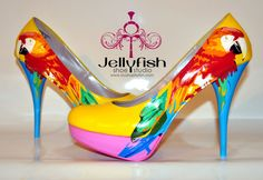 Wouldn't these be fun to wear to a Parrothead function?  If only I could walk in them.