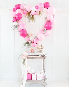 I got together with several friends to share Valentine's Day party ideas. Details on this sweet little candy bar all dressed in pink, along with a tutorial for the balloon heart - which is an adaptation of Brittany's @houselarsbuilt amazing balloon heart backdrop - can be found on the blog today.