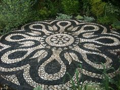 Portfolio » Pebble and Co Mosaics   WOW!  I will do this when I get really bored!
