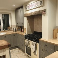 This time next week this will be a very different scene! I'm Cooking for 10 people Xmas day and 6 Boxing Day, so there's going to be a lot of food! I can't wait!❄️❄️ . . #kitchen #home#instagood #oak #kitchendesign #kitcheninspo #farmersmarket #countrystylekitchen #countrydecor #countryinteriors #rustic #rustickitchen #home #interiors #interior #interiordesign #farmhousestyle #houseandhome #interiors4all #interiors123 #kitchendecor #homedecor #homedesign #rustichome #christmas #...