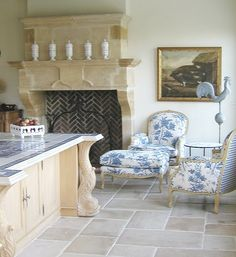 Modern French Country Style Decor Ideas For Kitchen 26 Beautiful Kitchens, Beautiful Interiors, Beautiful Homes, House Beautiful, White Interiors, Modern French Country, French Country Kitchens, French Kitchen, Country Blue