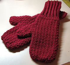 Soft n Warm Mittens - free crochet pattern from freepatterns.com. Free registration required.