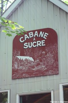 Cabane à sucre, île d'Orléans Quebec Montreal, Quebec City, America And Canada, My Childhood Memories, Canada Travel, Staycation, Sugaring, Food Places, General Store