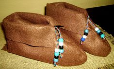 Awesome moccasins to make.